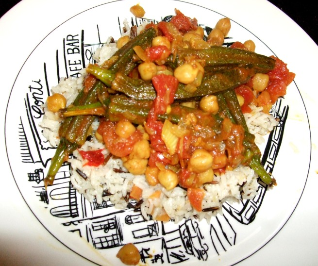 curried okra with chickpeas and tomatoes